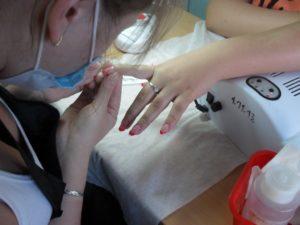 Обучение моделированию ногтей гелем