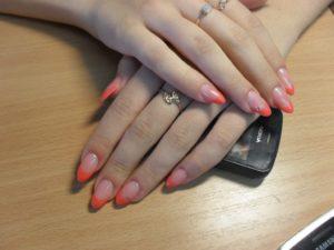 Обучение моделированию ногтей на курсах