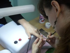 Обучение моделированию ногтей